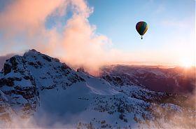 Ballonfahrt über die Winterberge