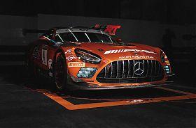 Sportwagen fahren Rennstrecke