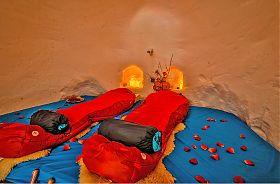 White Lounge Iglu Übernachtung ROMANCE