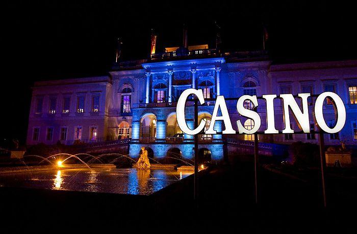 Bar Und Casino