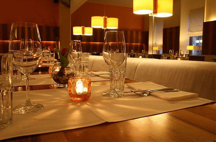 Romantisch Essen 4 Gange Am Romantisch Gedeckten Tisch Erlebe